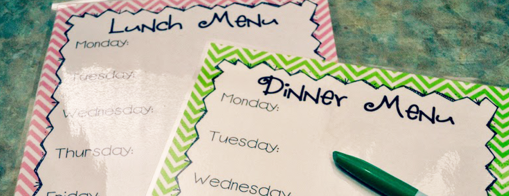Menu planning is so important to a well-balanced diet and stress-free week. Each Sunday I sit down and plan out my menu for the week with this printable. It helps take one thing off my to do list and keeps me on a budget. Swing by to grab the FREE printable menu board.